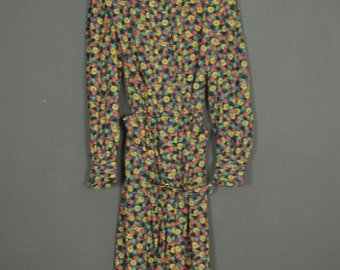 Vintage 80s floral dress with prints made in France - belt assorted - long sleeves - buttoned collar
