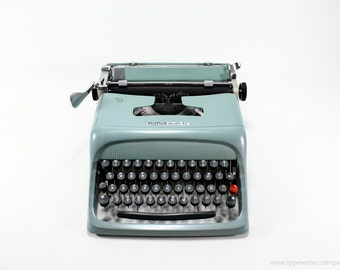 Perfect working typewriter - OLIVETTI STUDIO 44  typewriter - 1950s vintage typewriter - working office typewriter - qwerty