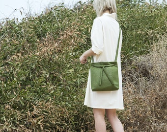 Cross Body Bag, shoulder bag, vegan handbag, cross body purse, tote bag, vegan bag, minimalist bag, small cross body bag