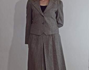 70s Gray Ladies Suit, Blazer and Skirt Suit, Wool Blend Suit, Short / Cropped Jacket and High Waisted Skirt, Size XS Extra Small / S Small
