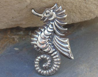 Vintage Mexican Sterling Silver Detailed Seahorse Pin / Brooch - 1940's