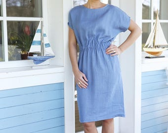 Washed casual linen dress with an elastic waist. Soft linen dress with side pockets.