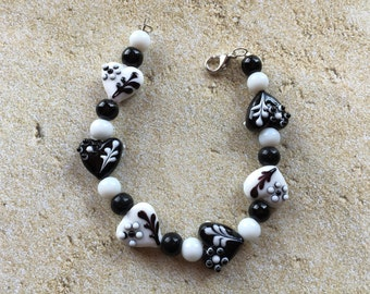 Black and White Heart Glass Lampwork Bracelet, Lampwork Bracelet, Beaded Bracelet, Beadwork Bracelet, Gift For Her