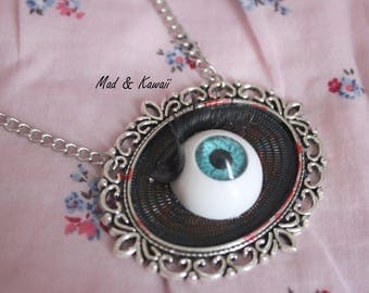 Cameo necklace eye
