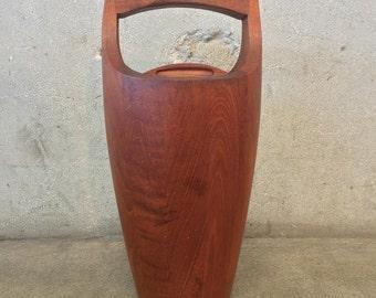 Mid Century Walnut Ice Bucket (L6NZBX)
