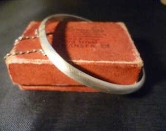 Vintage sterling silver bangle - Plain - safety chain - 925