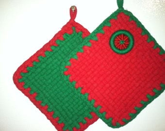 rag woven and crochet potholders in classic Christmas colors