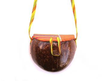 Vintage Coconut Purse, Hawaiian Bag, Round Box Purse, Wooden Shell Pocketbook, Tropical Vacation Handbag, Casual Beach Wear, Caribbean Bag