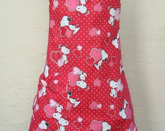 Valentines Day Apron, Valentines Day Gift, Snoopy Valentines Day Apron, Red and Pink Valentines Day Apron, Mothers Day Gift
