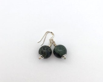 Simple green jasper earrings / everyday earrings / jasper bead earrings / green drop earrings / elegant earrings / gift for her