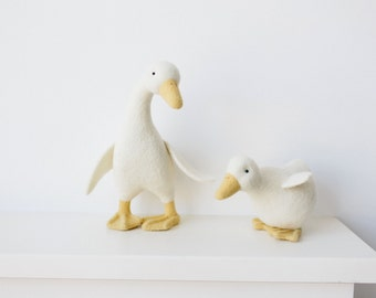 Needle felted geese, wool felted geese sculptures, easter gift, needle felted animals, felted wool toy, realistic bird, easter decorations