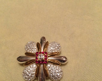 Rhinestone Goldtone Brooch Pin. Free shipping