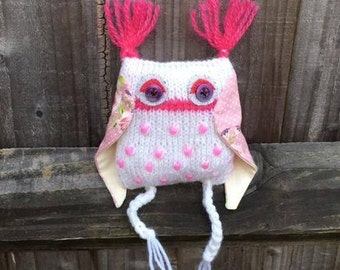 Handmade pink owl stuffed soft toy – Birthday gift - Owl ornament -  Stuffed animal – Thank you gift - Nursery decor - Forrest friend