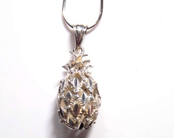 """Diamond cut sterling silver pineapple pendant and 18"""" sterling silver chain"""