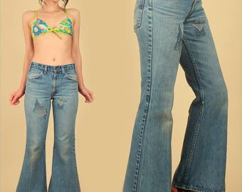 ViNtAgE 70's LEVI'S Bell Bottoms Jeans Patchwork Denim Big Bells Patched 684 Pants Faded Hige Hippie Bohemian Boho