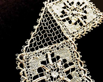 Unusual 1930s Tatting Trimmed Collar 8 Petal Flower Needle Lace Square Shape Pattern Cottage Chic Steampunk RePurpose Projects Dollie Dolly