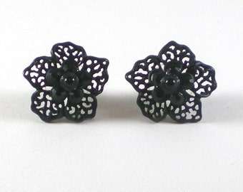 Black Japanned Filigree Flower Pierced Small Earrings - Goth Earrings - Vintage Jewelry