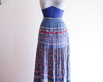 80s / 90s  ethnic print BOHO festival crinkle skirt sz. Small / Medium
