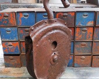 Vintage cast iron Wheel Pulley Flat sided Industrial Machine age Salvage pendant light chandelier Garden Supplies