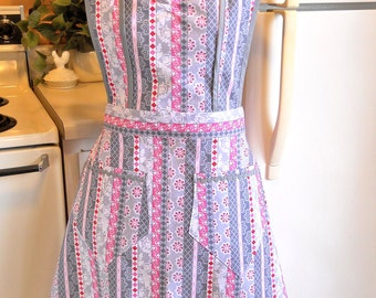 Old fashioned 1940's Style Full Apron in Pink and Gray