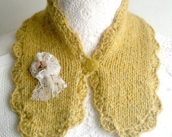 Collar mustard - hand knitted -neck warmer - neck scarf - mini scarflette - detachable brooch