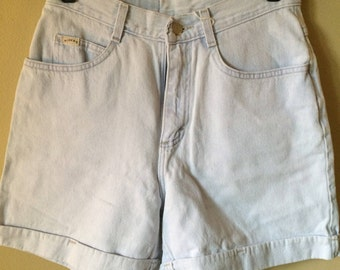 Vintage Riders High Waisted Shorts // Cuffed Vintage Light Wash Denim Shorts // Size 4/6
