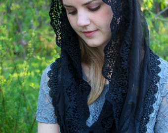 Evintage Veils~ NOT QUITE PERFECT Sale Black Lace French Chapel Veil Mantilla Head Covering Latin Mass Infinity Veil