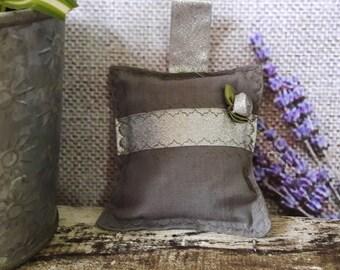 Pure Irish Linen Yorkshire Lavender Bag Scented Hanging Decoration Large 12cm x 12cm With Silver  Decoration FREEPOST UK