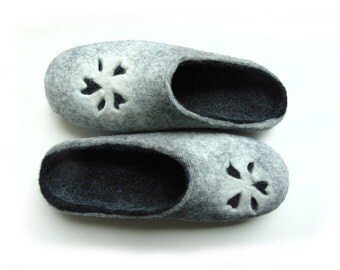 Felted slippers grey,black,felt boots toodler,womens wool slippers,lithuanian slippers,felted boots, gift for mathersday, felted gray shoes