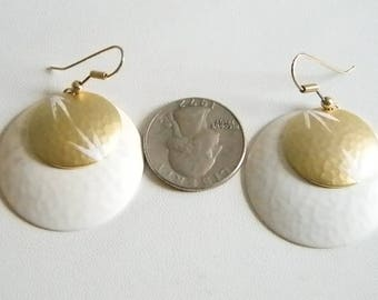 White/Gold Round Disc Dangle Pierced Earrings