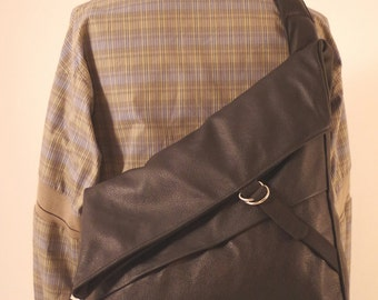 Lancelot model A I, Messenger bag, recycled leather, black, free shipping