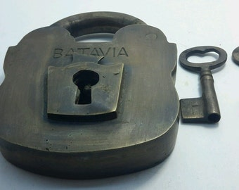 "4 5/8"" PADLOCK BATAVIA Vintage stye old antique solid brass 2 key heavy age lock #L5"