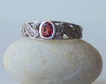 Sterling Silver Art Deco Garnet and Marcasite Ring, Vintage Band Ring, 925 Sterling Ring, Retro Ring Size 7 3/4 Marcasite,Garnet Jewelry