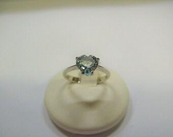 aquamarine white gold heart cut Solitaire ring 18 carat gold