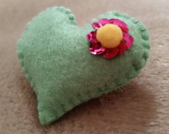 Heart Felt Accessories/Pin/ brooch