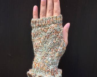 Lacey Fingerless Gloves with Ruffles (Daisy)