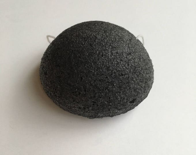 Konjac Facial Sponge infused with Bamboo Charcoal - Vegan - Chemical Free