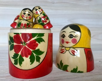 Retro 90's Semenov Counting Set Nesting Doll Mother & 10 Miniature Babies. Matryoshka Doll, Russian Dolls, Educational Toy.