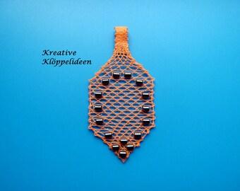 Hand gekloeppelter pendant with Hematite beads