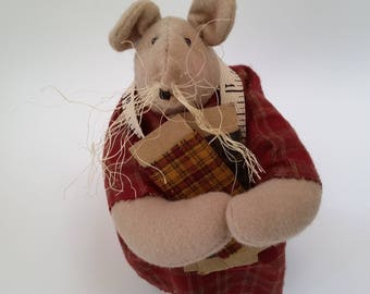 primitive, country decor -  country mouse - mouse doll - sewing mouse - primitive mouse doll