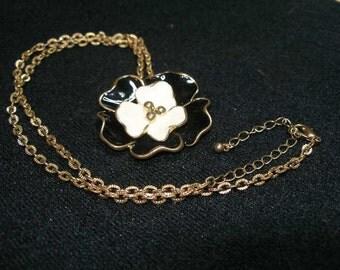 Enamel Flower Necklace(630)