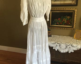 Late Victorian early Edwardian White Cotton Lawn Dress