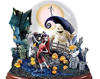 The Nightmare Before Christmas Snow Globe - Bradford Exchange / Disney