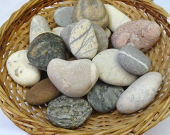 20 big beach stones. Decorative stones, garden stones. Terrarium stones. Wedding supplies.