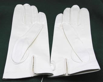 Adolescent size White Kid Leather Gloves - size 5 1/2, never worn