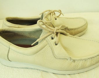 Men's Vintage 80's,PREPPY Creme Colored WALLABY Type Shoes By DEXTER.9