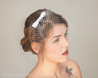 Bridal Fascinator veil white