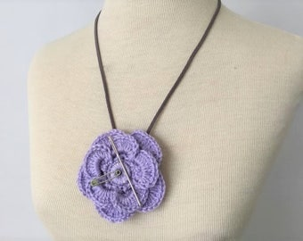 Crochet flower pendent magnetic needle keeper necklace/pin cushion
