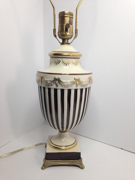 Lampade Arabe Italia: La petite lampada da tavolo di artemide lampade. Illuminazione aziende.