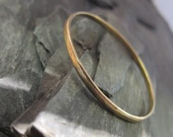 """Gold bangle bracelet """"Spece"""", bracelet Handcrafted in France. Bronze gold plated."""